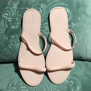 New nude beige Tory Burch jelly sandals size 9